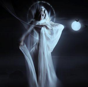 moon-goddess2